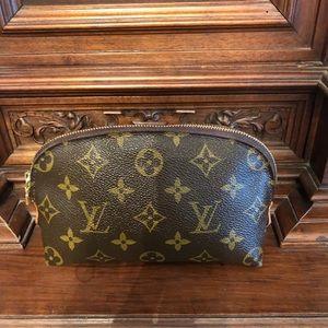 Authentic Louie Vuitton Monogram Pouchette